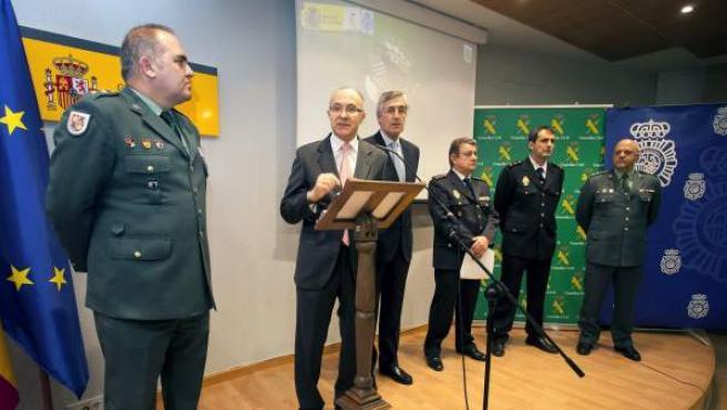 El delegado del Gobierno en Castilla y León, Ramiro Ruiz Medrano, en la rueda de prensa en la que se han dado a conocer los datos de la operación 'Decébalo', en la que han sido detenidas 44 personas.
