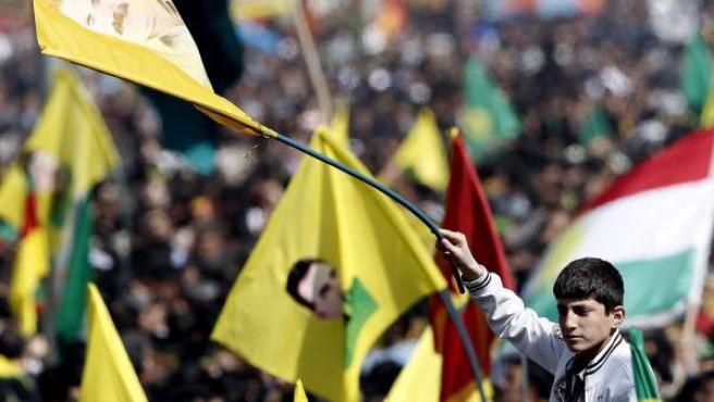 Miles de kurdos celebraron el Nuevo Año Persa.