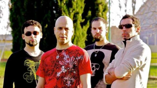 El guitarrista Chema Herrero junto a su banda
