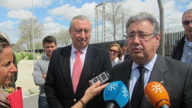 El alcalde de Sevilla, Juan Ignacio Zoido, en declaraciones a los periodistas