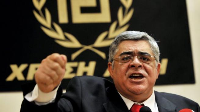 El líder del partido de extrema derecha griego Amanecer Dorado (Chryssi Avgi), Nikos Michaloliakos.