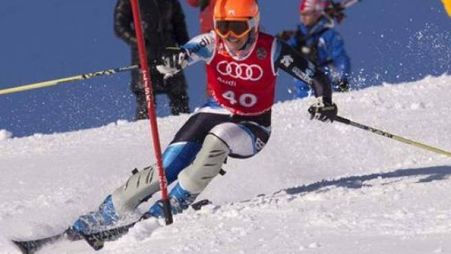 La tarraconense Andrea Jardi, en acción durante la prueba de Slalom de los Nacionales de Esquí 2013, en La Molina.