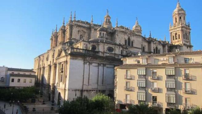Vista de las fachadas trasera y lateral de la Catedral de Jaén.