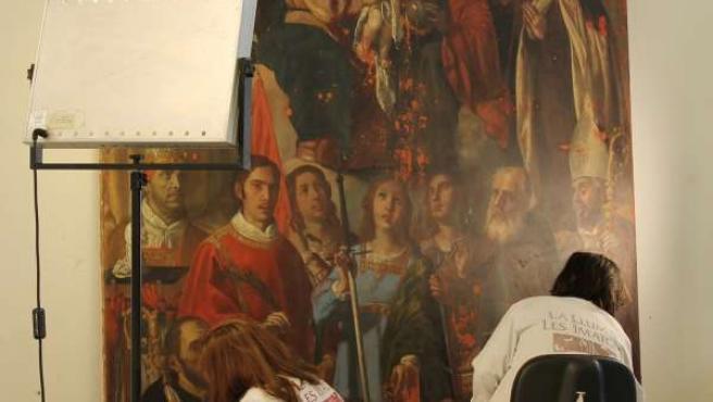 La Luz de las Imágenes restaura lienzos barrocos del San Pío V