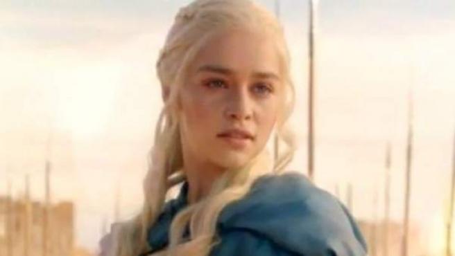 Daenerys de la Tormenta (Emilia Clark) en la tercera temporada de 'Juego de tronos'.