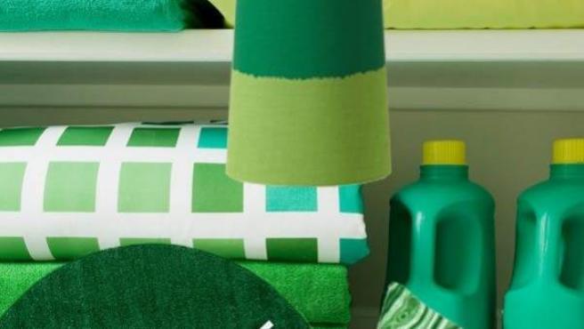 Ejemplos de la aplicación del color esmeralda en el hogar.