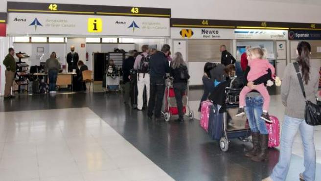 Los afectados por la cancelación de operaciones de la compañía aérea Spanair en el Aeropuerto de Gran Canaria han podido presentar sus reclamaciones en la oficina de atención al cliente de Aena.