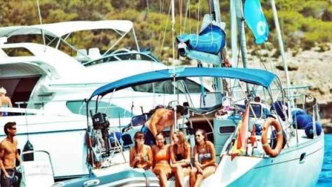 Jóvenes en velero