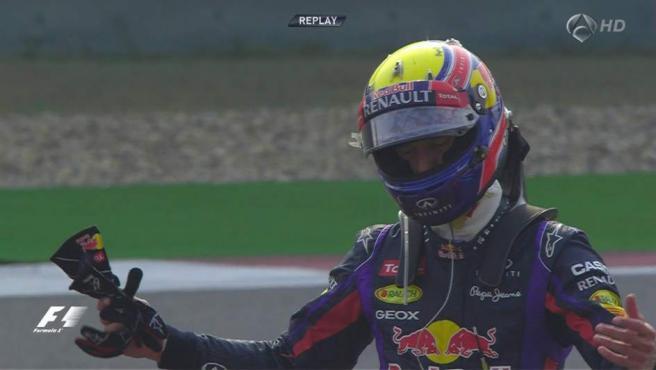 Mark Webber, tras abandonar en China.