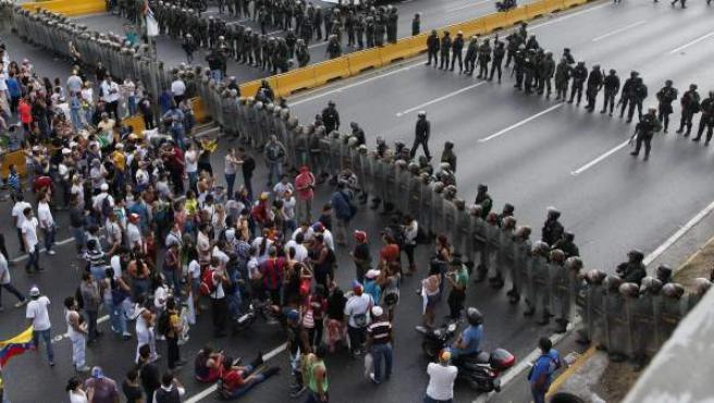 Protestas en las calles de Venezuela tras la proclamación de Maduro como presidente.