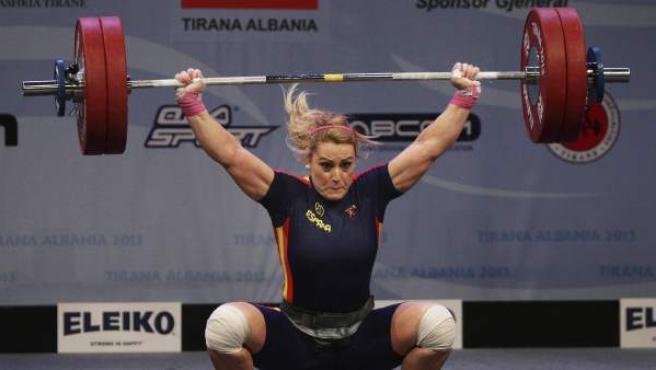 La haltera Lidia Valentín, durante los Europeos de Tirana, en Albania.
