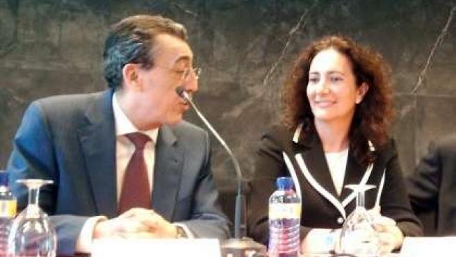 Josefa García Cirac junto a Bienvenido Mena