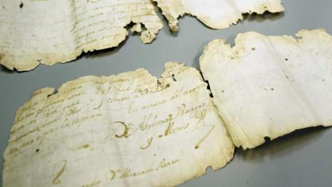 Fotografía de la carta de amor que ha permanecido escondida durante trescientos años en Toledo.