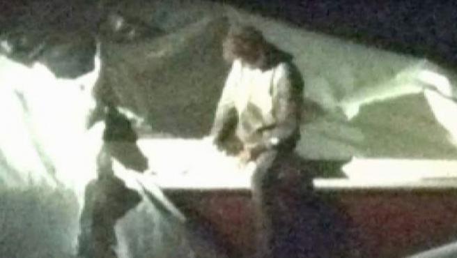 Captura del momento de la detención Dzhokhar Tsarnaev, el segundo sospechoso del atentado de Boston.