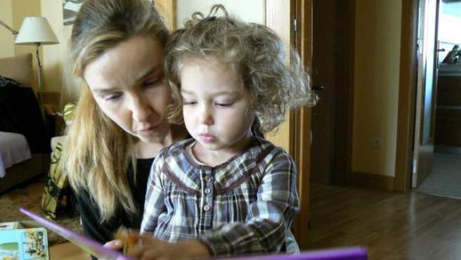 Berta tiene tres años y nació con síndrome de Phelan McDermid.