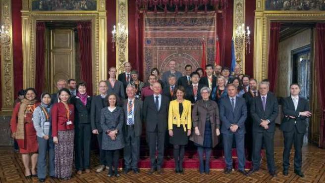 Barcina con representantes de CENER y la Agencia Internacional de la Energía.