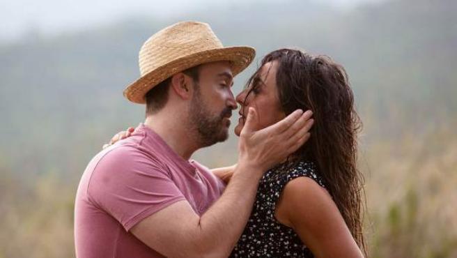 Javier Cámara y Candela Peña en 'Ayer no termina nunca'.