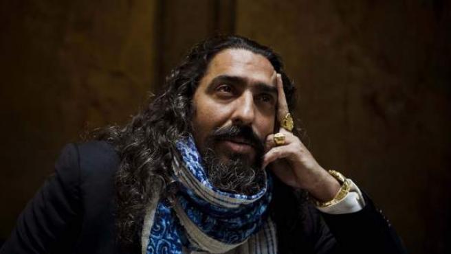 """El cantante de flamenco Diego """"El Cigala"""" posa durante una entrevista."""
