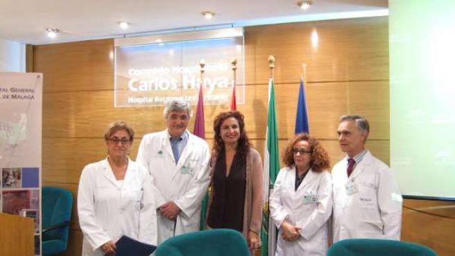 Profesionales que han participado en primer trasplante renal cruzado en cadena