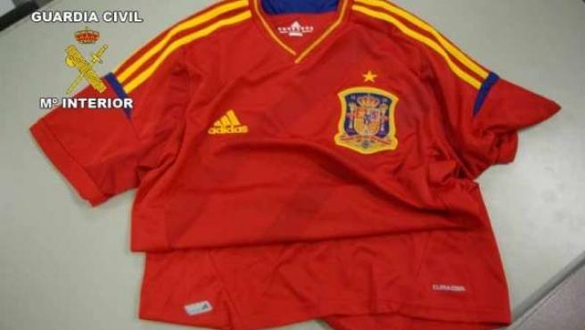 Camiseta de la Selección Española de fútbol falsificada