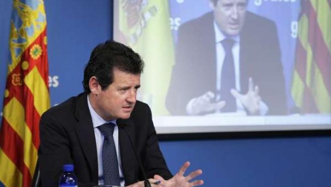 Imagen de archivo de José Císcar en rueda de prensa posterior al pleno.