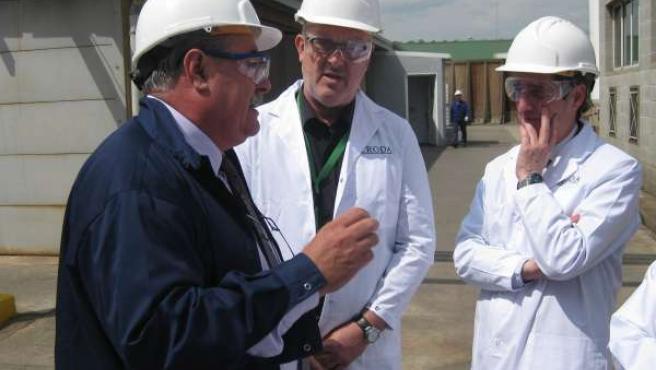 El secretario de Empleo, Ramon Bonastre, durante su visita a Croda