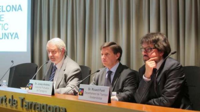 F.Tarradellas (CE), J.Andreu (APT) y R.Font (secr. De Territorio y Movilidad)
