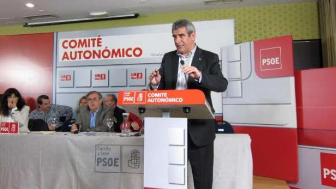 Julio Villarrubia en el Comité Autonómico del PSOE
