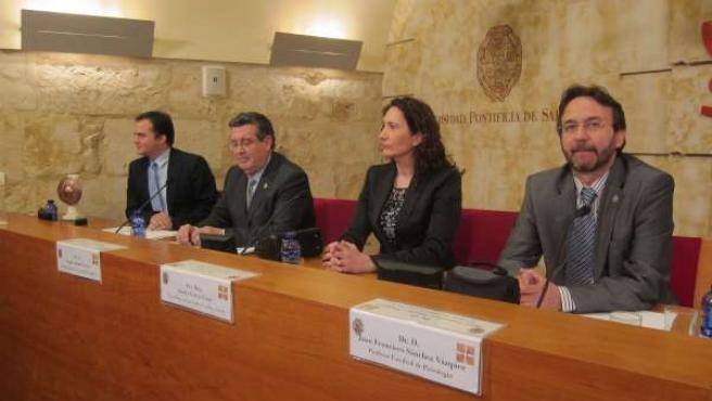 Acto de entrega del premio sobre seguridad laboral en la UPSA