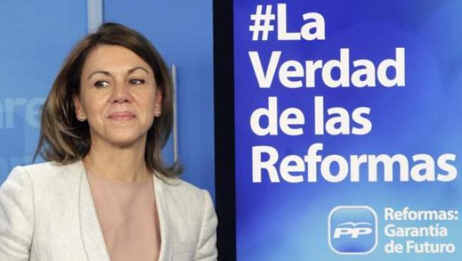 La secretaria general del PP, María Dolores de Cospedal, durante la presentación de la campaña Reformas: garantía de futuro, cuyo objetivo es transmitir a los ciudadanos que el plan de reformas del Gobierno es la garantía para volver a la senda del crecimiento económico y de la creación de empleo.