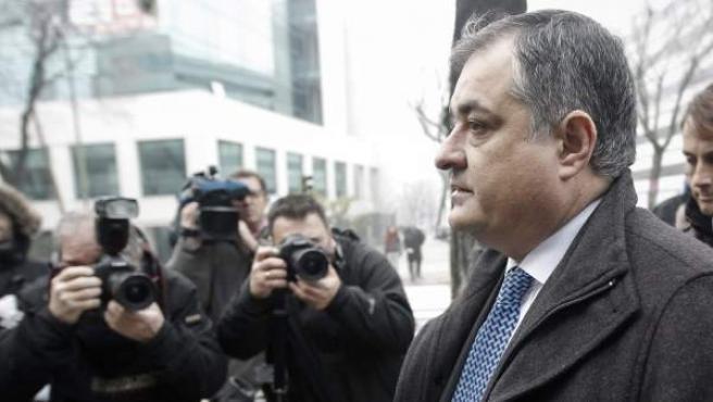El exdirector deportivo del equipo Liberty Manuel Saiz, a su llegada al Juzgado de lo Penal nº 21 de Madrid, donde se reanuda el juicio de la Operación Puerto.