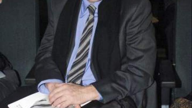 El presentador Constantino Romero, durante la novena edición de los Premios Max de las Artes Escénicas en 2006.