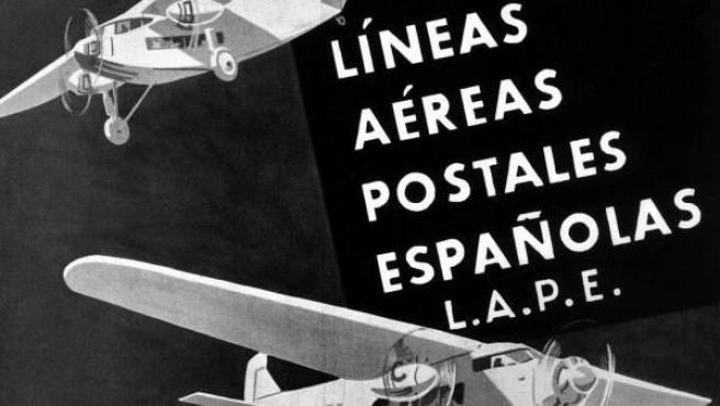 Fotografía facilitada por AENA de un cartel de la compañía LAPE (Líneas Aéreas Postales Españolas), que más tarde se convertiría en Iberia, la cual fue la que inició en 1993 los vuelos regulares a Barcelona.