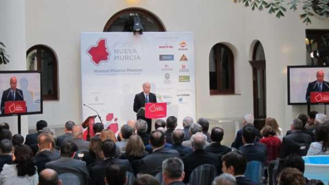 Pizarro durante su intervención en el Foro Nueva Murcia