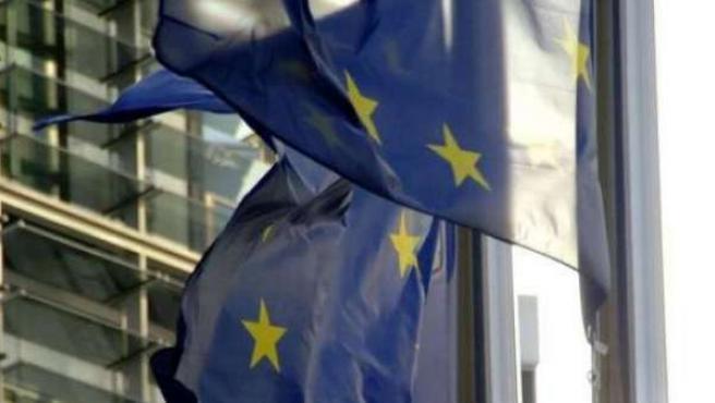 Banderas de la UE ondean en Bruselas.