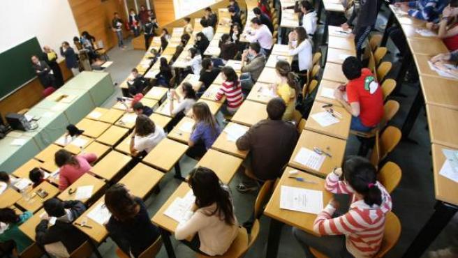 Examen de selectividad en un aula de la Universidad Complutense de Madrid.
