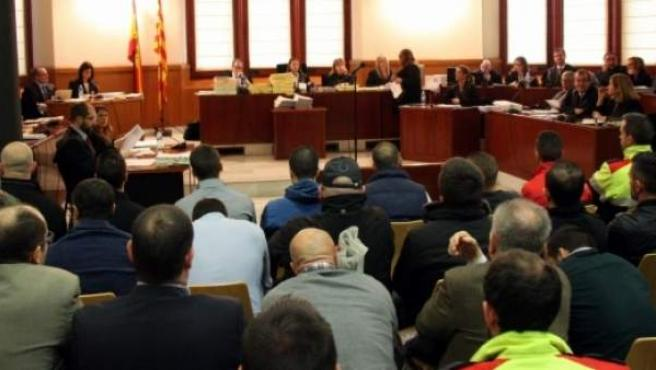 El juicio contra los 'casuals', la rama más violenta de los 'Boixos Nois', tiene lugar en la sala polivalente de la Audiencia de Barcelona.