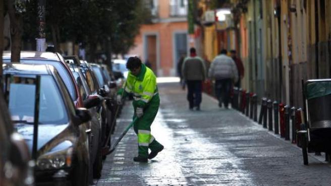 Un barrendero de Madrid.