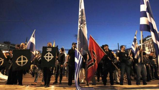 Fotografía de archivo tomada el 29 de noviembre de 2012 de una concentración del partido neonazi Amanecer Dorado.