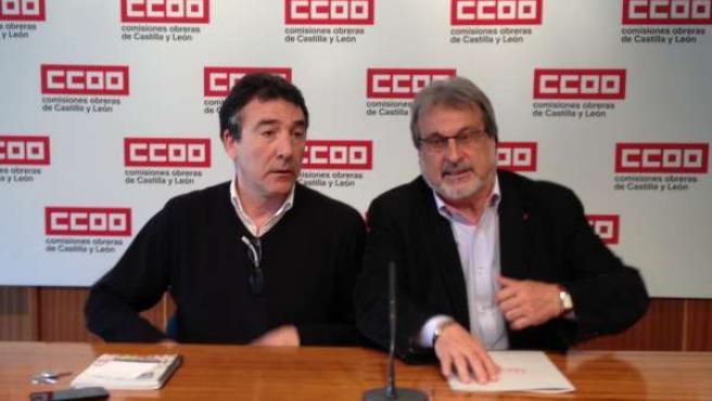 Ángel Hernández (CC.OO) junto a José María González (IU)