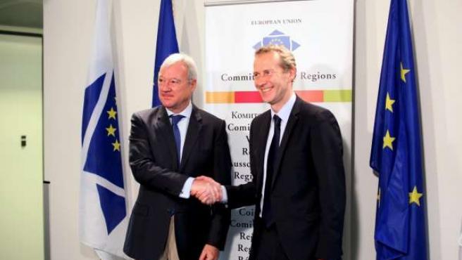 Valcárcel se reúne en Bruselas con el ministro frances Guillaume Garot