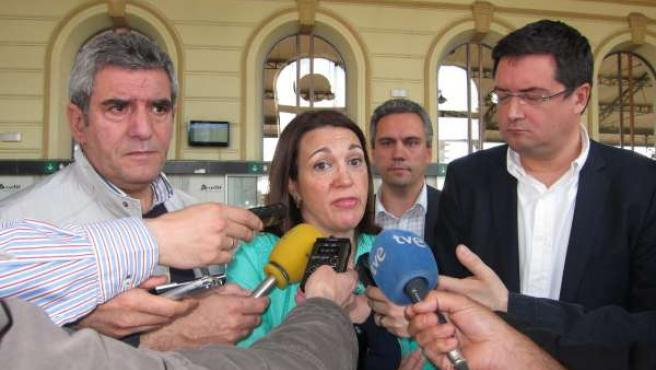 De izq. A drcha., Julio Villarrubia, Soraya Rodríguez y Óscar López