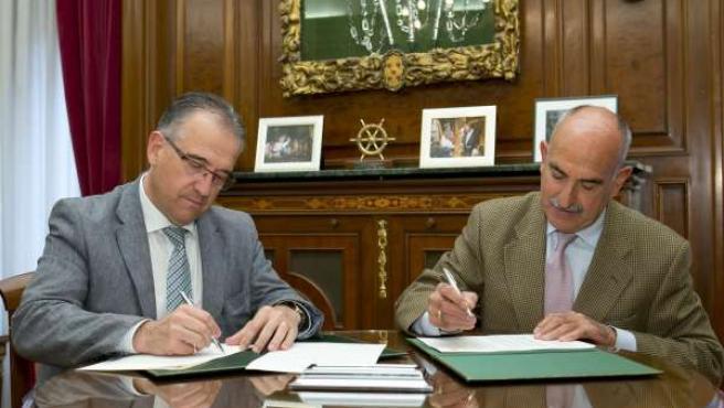 Firma del convenio con la Asociación Cabalgata de Reyes.