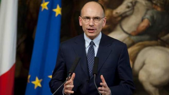 El primer ministro italiano, Enrico Letta, en una rueda de prensa tras una reunión mantenida con el presidente del Consejo Europeo, Herman Van Rompuy en el Palacio Chigi de Roma, Italia.
