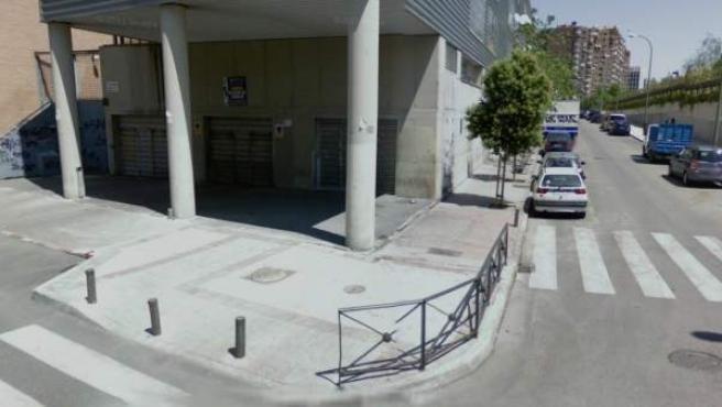Captura de Google Maps de la Calle Arregui y Areuj, en Madrid, donde está situado el centro social amenazado de desahucio.