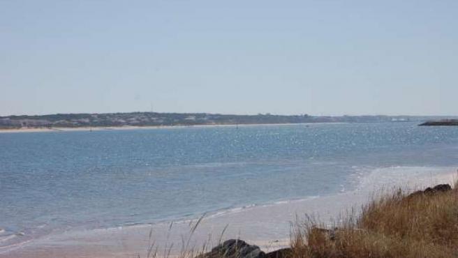 Imagen de la playa del Espigón en Huelva.