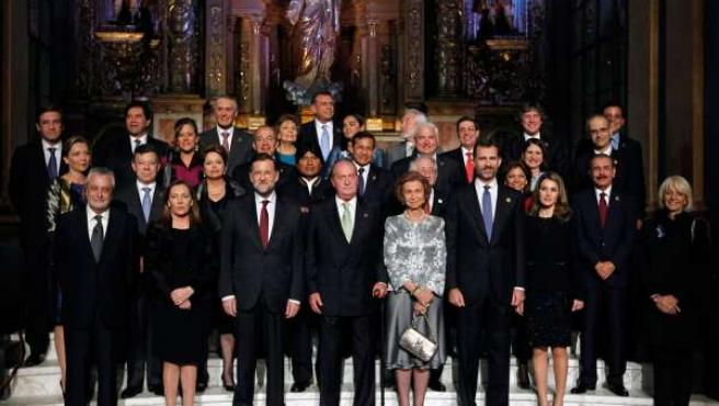 Foto de familia de la cumbre iberoamericana de cádiz