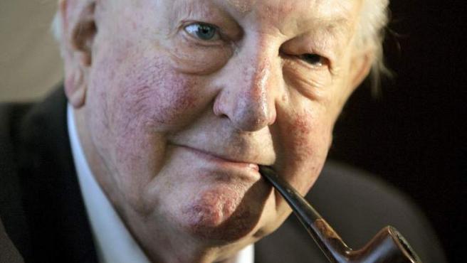 Fotografía de 2009 del escritor británico Tom Sharpe, que ha fallecido a los 85 años en su casa de la localidad gerundense de Llafranc, donde residía desde hace años. Sharpe ha sido un novelista de un humor negro y corrosivo conocido especialmente por su obra Wilt.