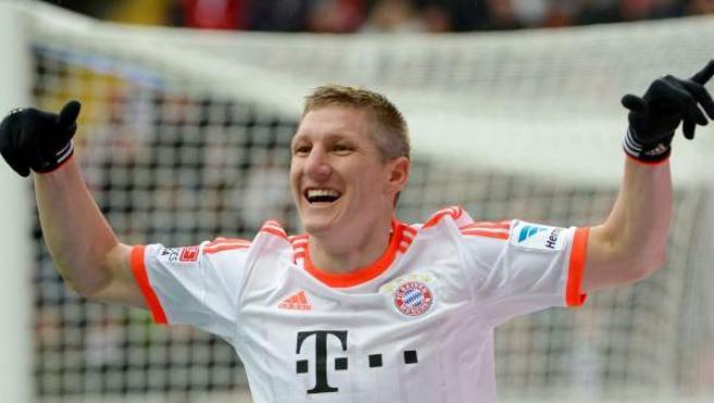 Bastian Schweinsteiger celebra con el Bayern de Munich.