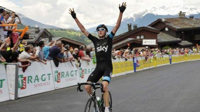 El británico Chris Froome celebra una victoria.